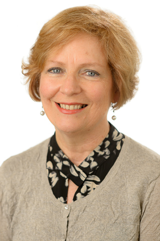 Robyn Staveley