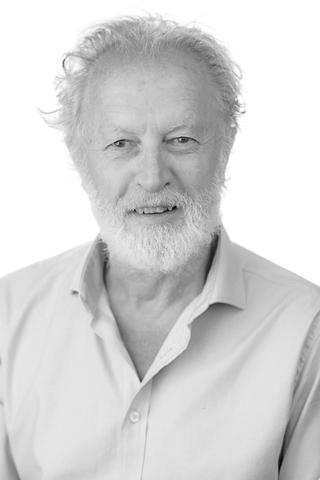 Roger Dunston